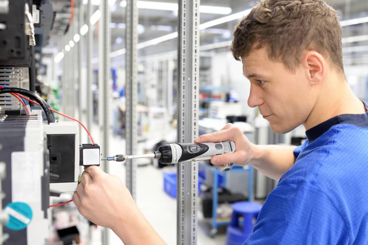 KOLEKTOR SIKOM išče Proizvodnega kontrolorja (m/ž)