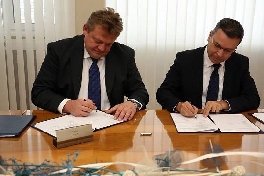 Kolektor Etra z družbo ELES podpisala pogodbo za energetska transformatorja za prenosno omrežje