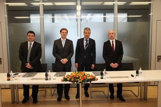 Kolektor je obiskal predsednik slovenske vlade dr. Miro Cerar