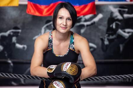 Mateja, investicijska menedžerka v svetu tajskega boksa