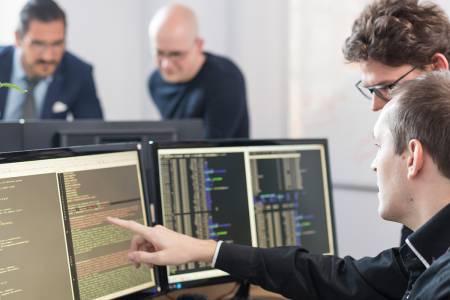 Razvijalec vgrajene programske opreme