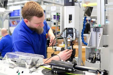 KOLEKTOR ASCOM išče KV proizvodne delavce / Montažerje (m/ž)
