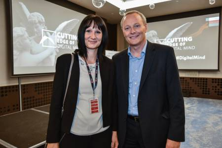 Kolektor na konferenci Cutting Edge of Digital Mind