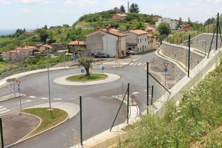 Izgradnja krožnega križišča v Gonjačah ter rekonstrukcija ceste