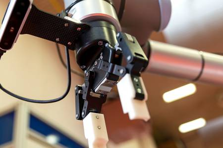 We are developing a new generation of autonomous industrial robots